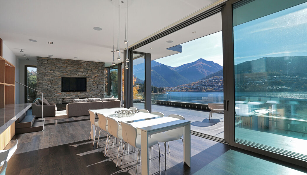CP 155 (-LS) Sliding Systems, CF 77 Sliding Systems and CS 77 Windows - House Lake Wakatipu House located in New Zealand